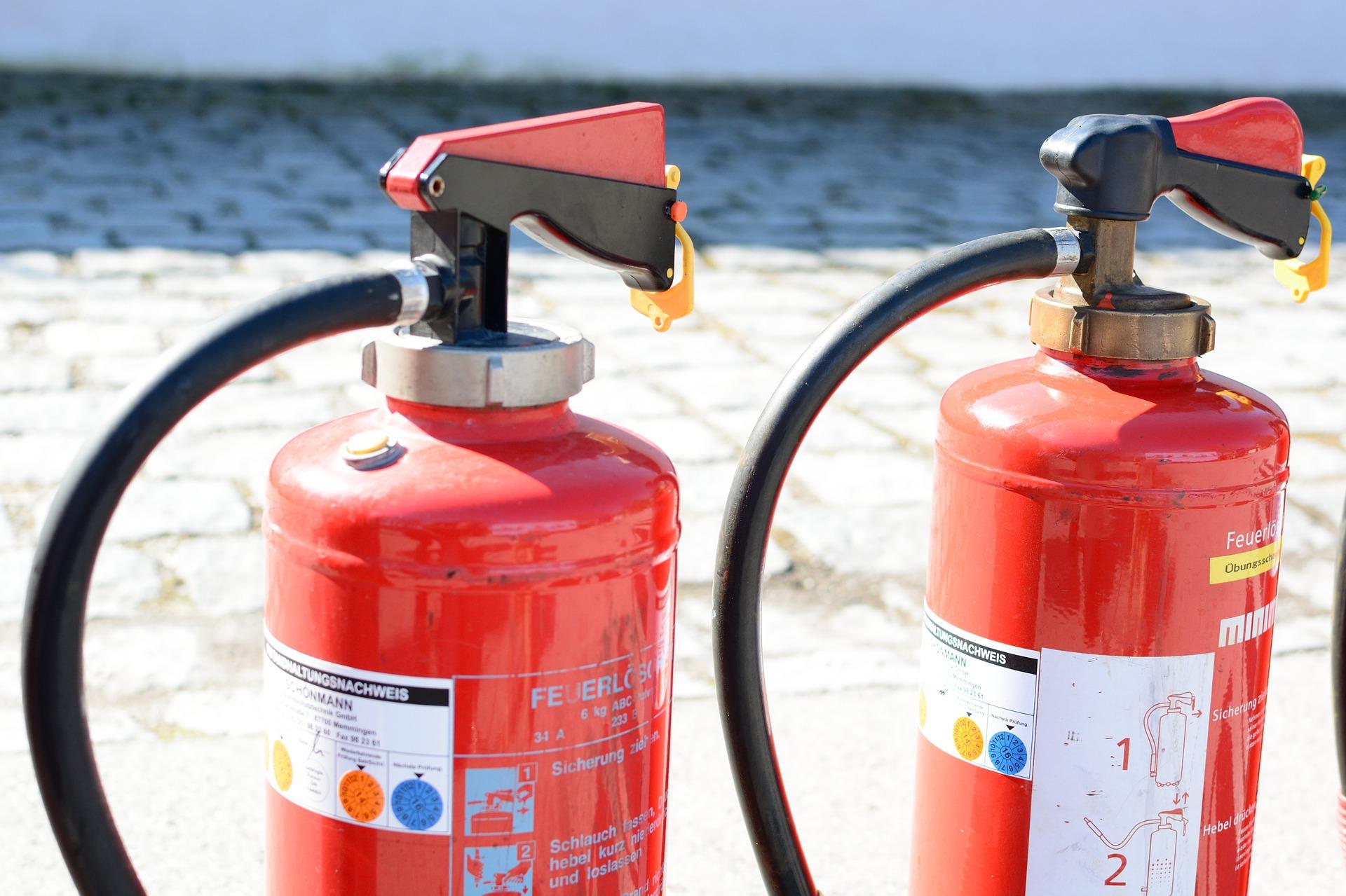 fire-extinguisher-712978_1920